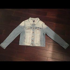 NWT Wrangler Light Blue Cropped Denim Jacket